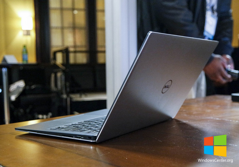 dell-xps-13-handson-rearangle