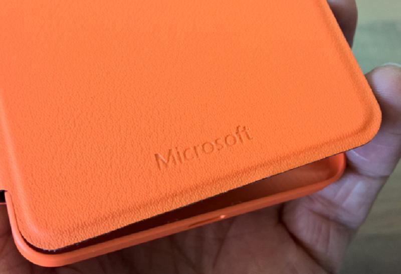 Flip Cover جدید لومیا ۶۴۰ – هم قاب و هم کیف گوشی شماست