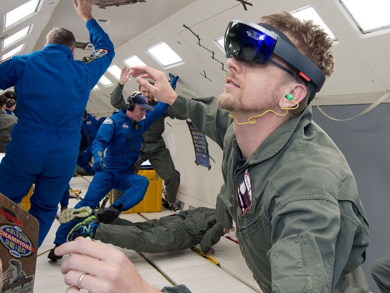 ناسا تا تو روز دیگر ۲ دستگاه Microsoft HoloLens را به ایستگاه فضایی می فرستد
