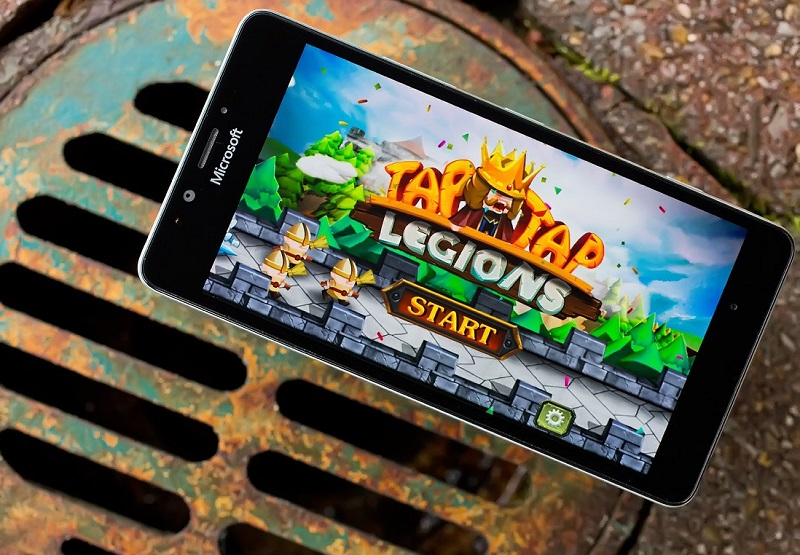 Tap Tap Legions بازی یونیورسال جدید مخصوص ویندوز ۱۰ موبایل و پی سی
