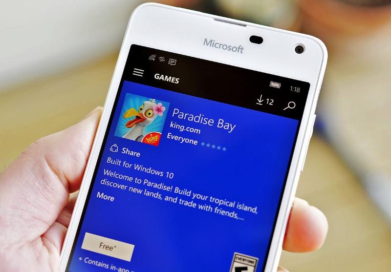 Paradise-Bay-Phone-lead