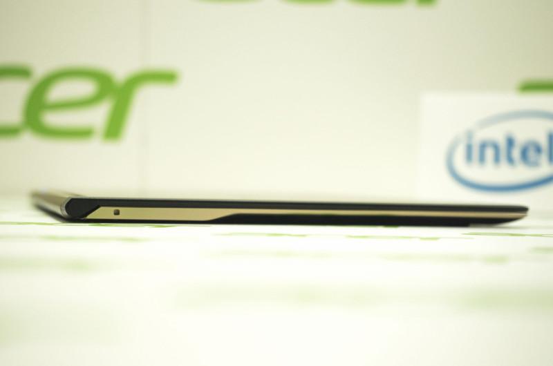 باریک ترین نوت بوک جهان توسط ایسر با نام Acer Swift 7 معرفی شد.