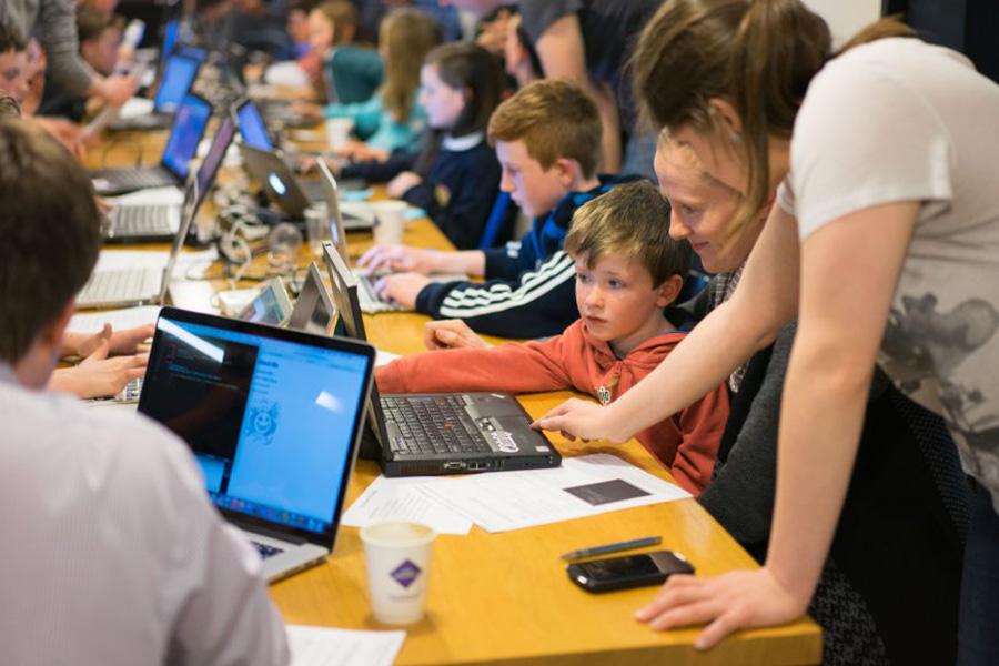 ثبت اختراع مایکروسافت برای کنترل کودکان با نام real-time parental monitoring