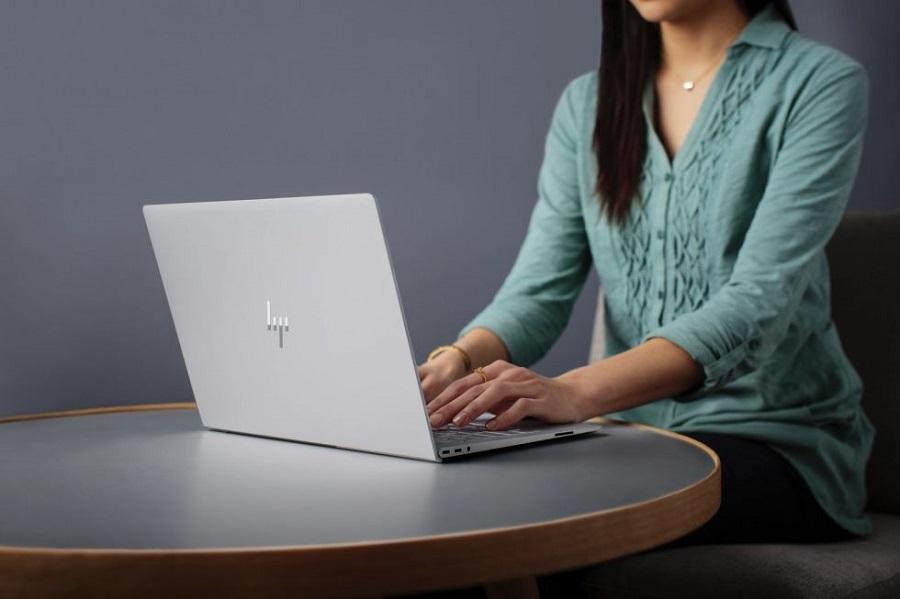 آموزش تغییر زبان کامپیوتر برای تایپ کردن از روش های متفاوت در ویندوز ۱۰