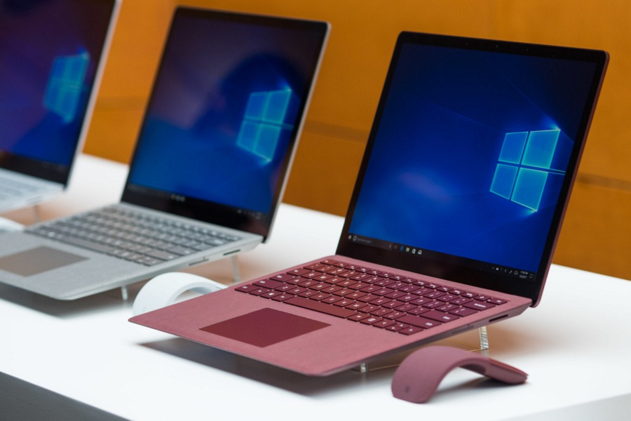 Surface-Laptop-Windows-10