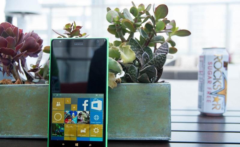 قابلیت کاربری یک دستی با گوشی های بالای ۵ اینچ در ویندوز ۱۰ موبایل