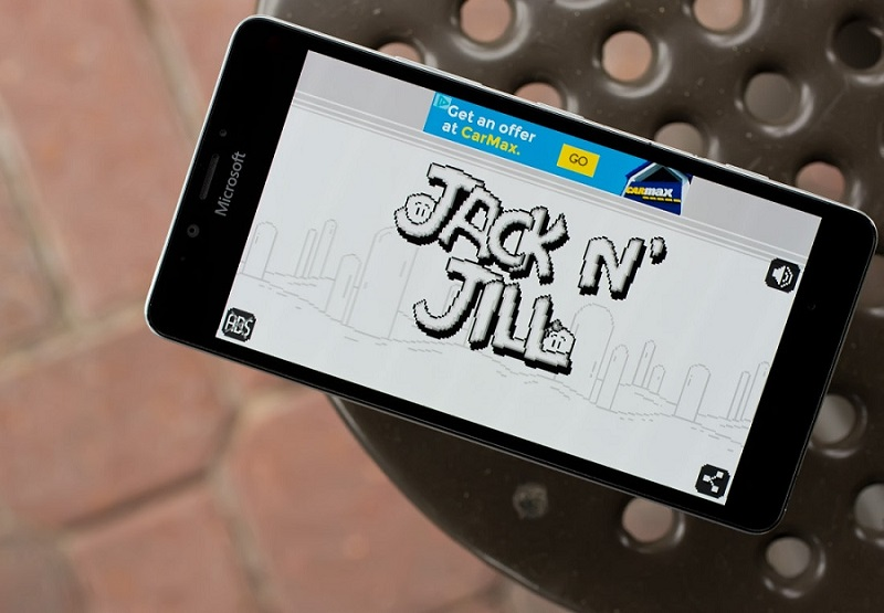 Jack N' Jill یک بازی سیاه و سفید به سبک بازی های Game-Boy