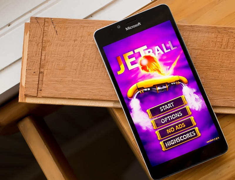 Jet Ball یک بازی رایگان و جذاب برای ویندوز موبایل شما!