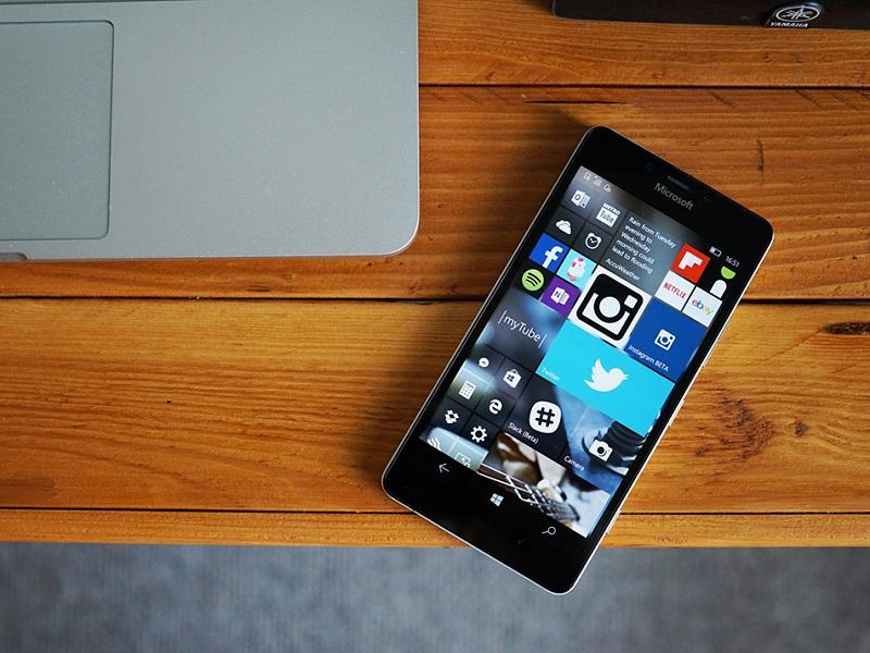 ویندوز ۱۰ بیلد ۱۰۵۸۶٫۱۶۴ به صورت رسمی برای کاربران PC و موبایل منتشر شد.
