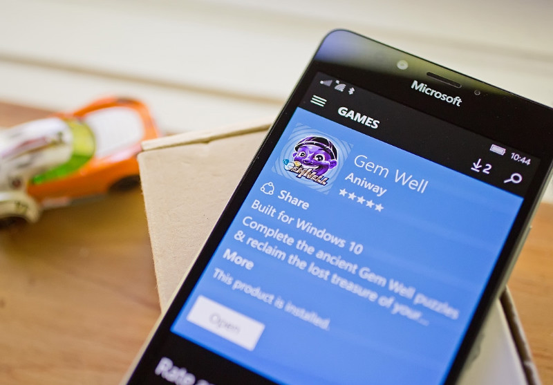 بازی ساده و سبک Gem Well برای ویندوز ۱۰ موبایل و PC منتشر شد.