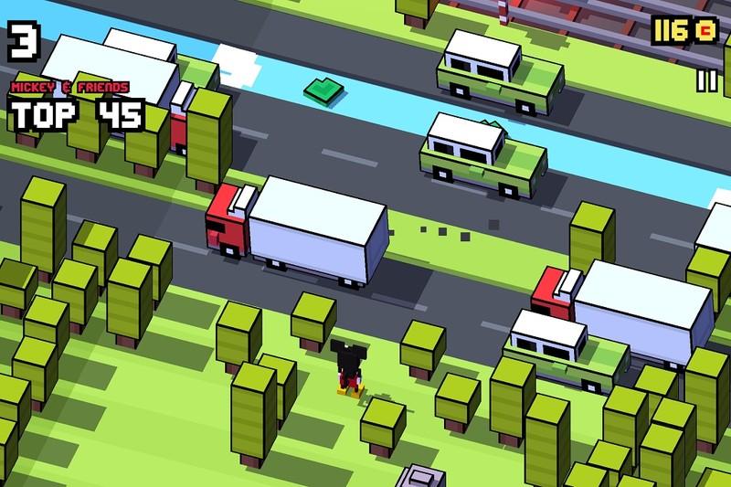 بازی جذاب و سرگرم کننده Disney Crossy Road برای ویندوز ۱۰ موبایل و PC