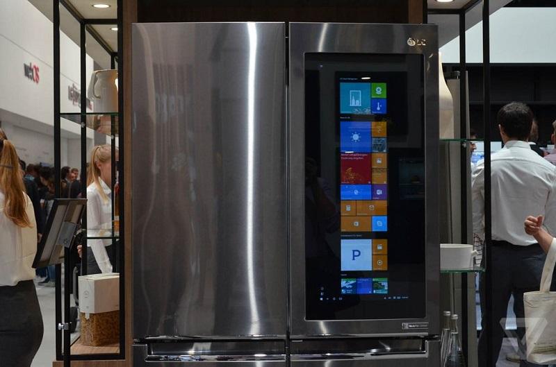 رونمایی LG از یخچالی با سیستم عامل ویندوز ۱۰ PC