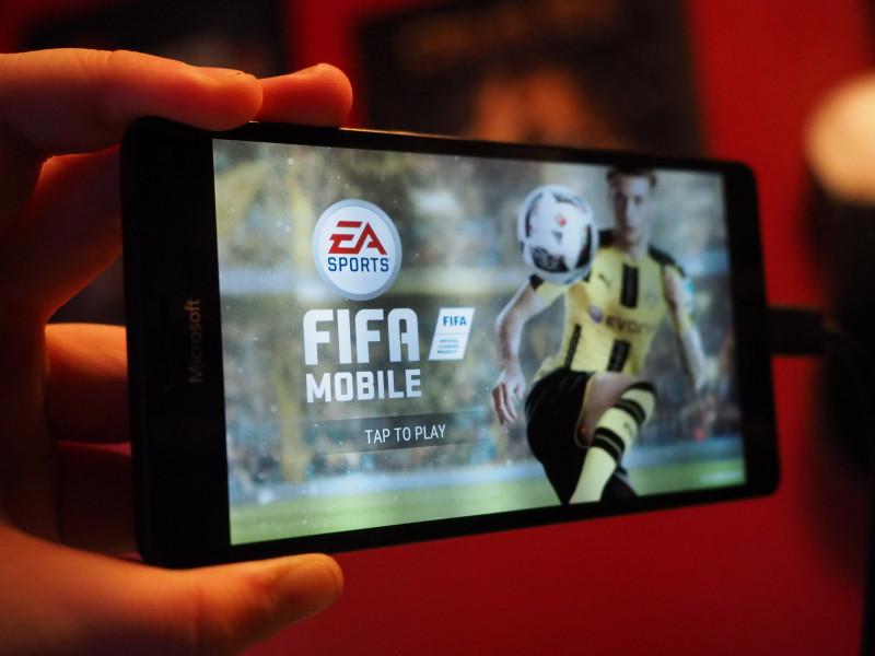 بازی FIFA 17 Mobile برای ویندوز ۱۰ موبایل منتشر شد.