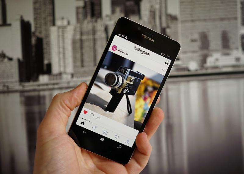 نسخه جدید Instagram با قابلیت کاشی زنده منتشر شد.
