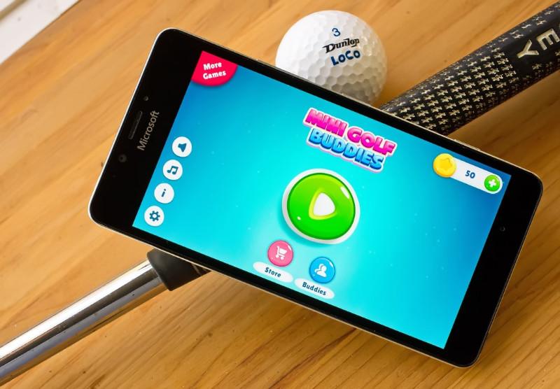 معرفی بازی یونیورسال و دوست داشتنی Mini Golf Buddies