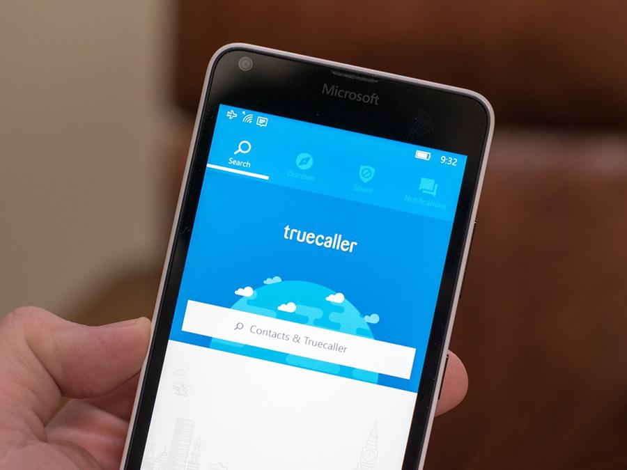 با اپلیکیشن TrueCaller از نام و اطلاعات تماس گیرنده ناشناس خود بروی ویندوز ۱۰ موبایل مطلع شوید.