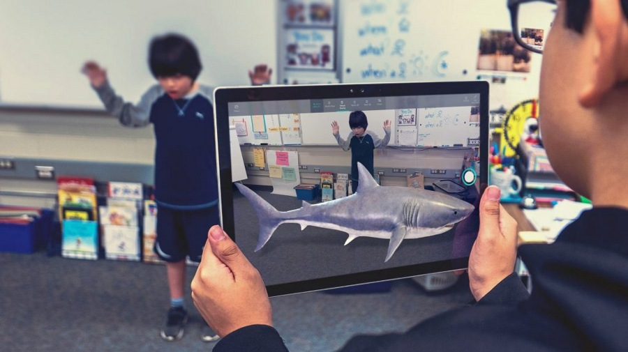 به کمک اپلیکیشن Mixed Reality Viewer آبجکت ۳D را با واقعیت ترکیب کنید!