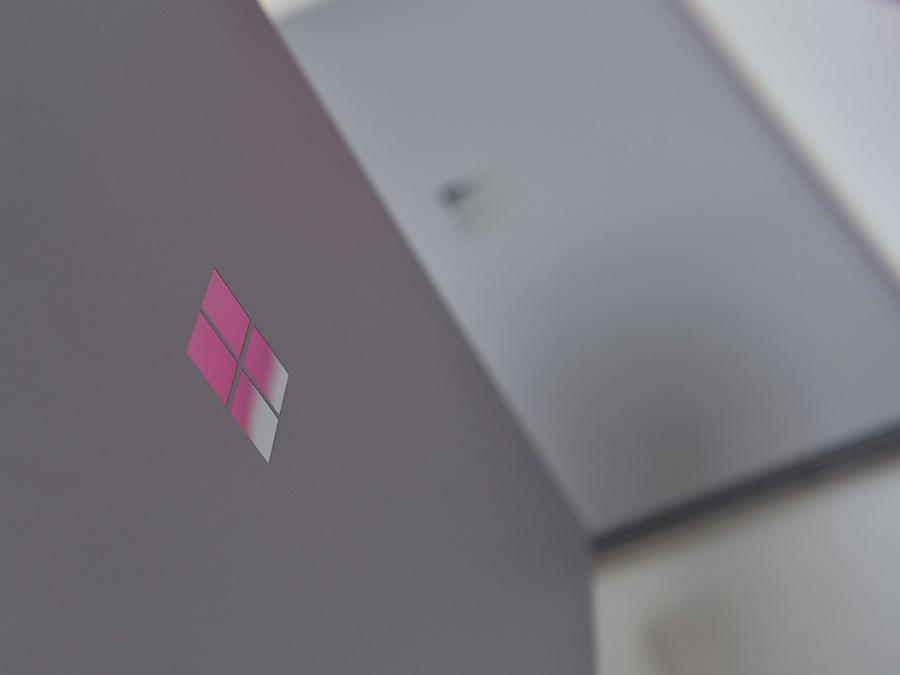آینده ی دستگاه قابل حمل مایکروسافت، با برند سرفیس و قابلیت استفاده از قلم و تماس تلفنی!